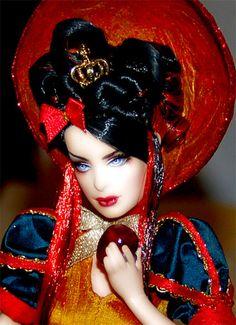 "Snow White / Biancaneve ""prova a fermarmi"" - ooak barbie"