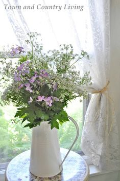 Roadside Wildflowers Picked Fresh for the Home - Town & Country Living