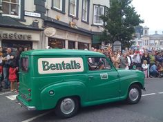 The original Bentalls Van at Funny Good Morning Memes, Kingston Upon Thames, Old Trucks, Car Stuff, Childhood Memories, 1970s, Random Stuff, Classic Cars, Nostalgia