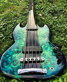 Guitar Art, Cool Guitar, Acoustic Guitar, Music Instruments Diy, Fender Guitars, Bass Guitars, All About That Bass, Custom Guitars, Folk Music