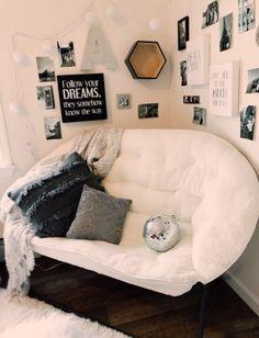 Pin on Room inspo Cute Bedroom Ideas, Cute Room Decor, Wall Decor, Home Bedroom, Room Decor Bedroom, Bedroom Inspo, Bedroom Couch, Teenage Room Decor, Aesthetic Room Decor