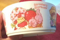 Strawberry Shortcake Cereal Bowl 1980. Still have that somewhere :)