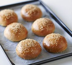 We show you how to master this soft bread enriched with eggs and milk. Serve split and filled with barbecued meat, burgers or pulled pork