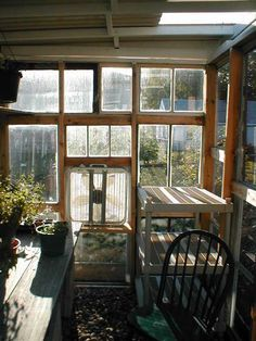 Green house made out of old windows, and a how to build it! Want to build it for my house one day...