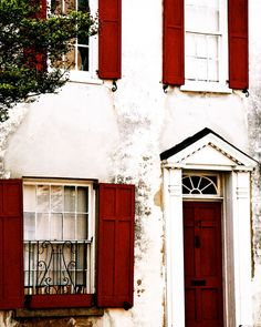 Charleston Home in Red and White