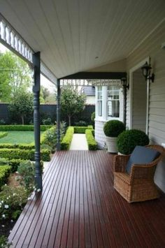 federation veranda, formal garden, kew  paul pritchard landscapes.au