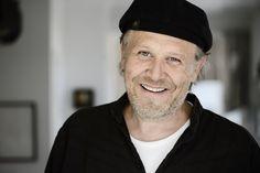 Morten Ingemann er satiretegneren bag Og det var Danmark-striben i Ekstra Bladet. Står sammen med Bent Falbert bag bøgerne Kongerækken – forfra og bagfra (2008) og 40 statsministre (2011).