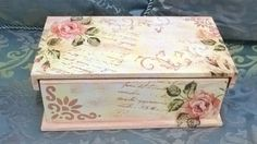 Decoupage Vintage, Decoupage Plates, Wooden Memory Box, Handkerchief Crafts, Shabby Chic Boxes, Recycled Jars, Decoupage Tutorial, Altered Boxes, Jewellery Boxes