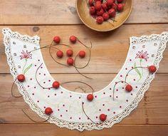 Rollo Stock です。こちらは、刺繍とレースが可憐な、フランスアンティークのつけ襟です。赤いドットがとても可愛いくておすすめです。1点のみですので、気になる方はお早めに。(France antique つけ襟 ¥2800+tax,さくらんぼの実¥300+tax/1piece)#rollo #kobe #antique #collar