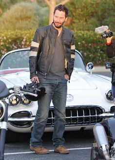 Keanu Reeves in Malibu, CA, March 2015. Scoping out a few sweet rides! (chicfoo) keanu