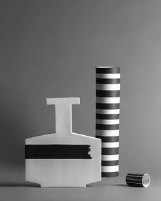 Porcelain Skin Beauty - - Chinese Porcelain Flower - Porcelain Clay Vase - Porcelain Jewelry How To Make - Porcelain Doll Dress Vase Design, Decoration Design, Clay Design, Ceramic Tableware, Ceramic Art, Vase Noir, Clay Vase, Contemporary Ceramics, Elle Decor