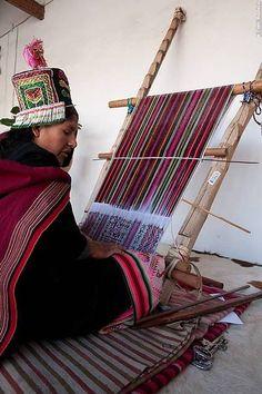 Tacabuco weaving Bolivia