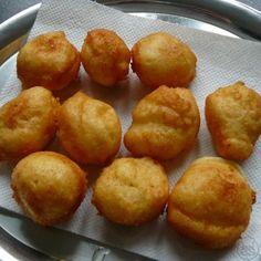 Tvarohové koblížky | sikovnykuchar.cz Pretzel Bites, Muffin, Food And Drink, Bread, Cooking, Breakfast, Sweet, Desserts, Cakes