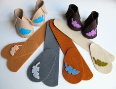 KIT for one pair of baby booties, size newborn to three months. Pre-cut wool felt pieces and instructions for sewing are included. Baby Shoe Kits now include matching embroidery floss! Baby Moccasin Pattern, Baby Shoes Pattern, Moccasins Pattern, Felt Booties, Felt Baby Shoes, Felted Slippers, Baby Sewing, Sewing Kit, Baby Boots