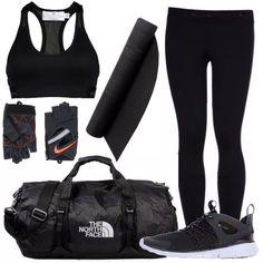 Per la palestra, per andare a correre, per lo yoga, o semplicemente per tenersi in forma! Leggins e top sportivi, guanti per gli attrezzi da palestra, comode scarpe per correre. Morbido tappetino per gli esercizi e borsone per tutto l'occorrente, sia sportivo che per il post allenamento!