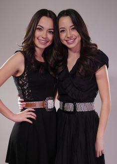 The Merrell Twins Vanessa (left) & Veronica (right) http://m.youtube.com/user/merrelltwins