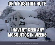 The Alaska winter. Long, dark, cold, and often met with disdain. Let these 21 Alaska Winter Memes brighten your day and help you get through it! Winter Meme, Funny Winter Quotes, The Funny, Funny Jokes, Hilarious, Funny Stuff, Funny Things, Funny Camping Memes, Viajes