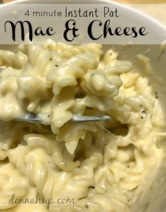 4 Minute Instant Pot Macaroni and Cheese - I can't believe how easy this is to make. It's super creamy and delicious. Great Recipes, Favorite Recipes, Delicious Recipes, Main Dishes, Side Dishes, Believe, Pressure Cooker Recipes, Instant Pot, Macaroni And Cheese