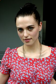 Katie McGrath - Merlin BBC- of course I cannot resist. I seriously have a girl crush going on right now! Katie Mcgrath Hot, Katherine Elizabeth, Lena Luthor, Women Names, Cute Beauty, Famous Women, Female Images, Queen, Supergirl