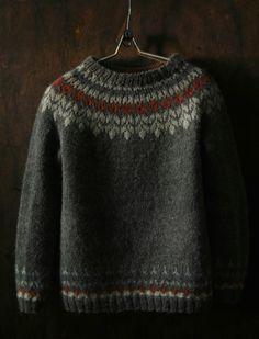 My handmade sweater Knitting Patterns Free, Knit Patterns, Knit Stranded, Icelandic Sweaters, How To Start Knitting, Hand Knitted Sweaters, Sweater Design, Knit Fashion, Knitting Yarn