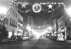 Time Machine to the Twenties: Vintage Christmas - Street Decorations