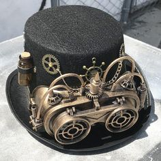Check out our steampunk selection for the very best in unique or custom, handmade pieces from our shops. Mode Steampunk, Steampunk Top Hat, Steampunk Goggles, Steampunk Costume, Gothic Steampunk, Steampunk Necklace, Steampunk Clothing, Steampunk Fashion, Victorian Gothic