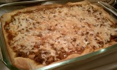 Deep Dish Pizza Casserole - only 9 Weight Watchers points per serving! www.emilybites.com