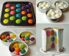 Bolo de bolas coloridas