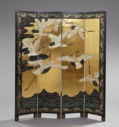 A classic chinese screen like this can set the tone for the whole room & add elegance & sophistication. Something that will never go out of style. Asian Furniture, Chinese Furniture, Oriental Furniture, Japanese Screen, Japanese Art, Dressing Screen, Chinese Interior, Room Screen, Room Divider Screen