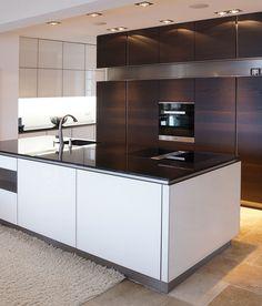 INTUO KÜCHE IN ALTEM HERRENHAUS Kitchen Island, Modern, Design, Home Decor, Mansion, Homemade Home Decor, Trendy Tree, Interior Design
