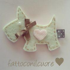Portachiavi o ciondoli in feltro regalo o bomboniere, by fattoconilcuore, 5,00 € su misshobby.com