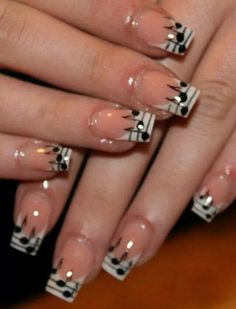 Would love to have these nails! Beautiful.