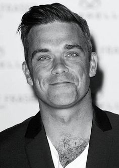 Robbie Williams 'Obsessed-with' is an under-statement. He featured in the birth of my first born (a funny story), and I get excited any time I hear or see him. So happy he finally settled down and is a dad. John Snow, Robbie Williams, Lenny Kravitz, Curly Hair Cuts, Curly Hair Styles, Mad Men Hair, Side Parting, Men's Grooming, Haircuts For Men