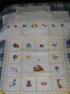 esempio copertina con riquadri Baby Cardigan Knitting Pattern, Baby Knitting Patterns, Lace Knitting, Baby Embroidery, Embroidery Patterns, Cross Stitch Patterns, Cross Stitch Baby Blanket, Manta Crochet, Baby Afghans