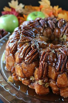 """Apple Pecan Monkey Bread - This apple pecan monkey bread is super delicious, full of flavor, and as my daughter said, """"It's like Fall in my mouth."""" Mini Desserts, Apple Desserts, Fall Desserts, Delicious Desserts, Yummy Food, Vegan Desserts, Oreo Dessert, Dessert Bread, Pumpkin Dessert"""