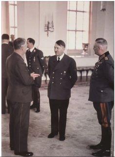 Adolf Hitler, Reichsminister des Auswärtigen (Reichminister for Foreign Affairs) Joachim Von Ribbentrop (Left) und Generalfeldmarschall Wilhelm Keitel (Right)