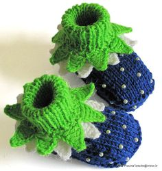 Baby booties Blueberry  knitted baby booties/ size by MiaPiccina, $20.00