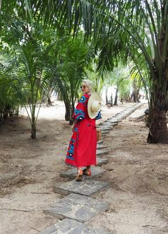 Exploring Playa Santa Teresa in Costa Rica #vitakin #ukrainiandress #pompoms #vyshyvanka #cultgaia #palmtrees