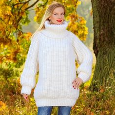 100% Hand crafated thick pullover in white, size S, M, L, XL