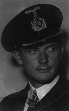 Kapitänleutnant Rolf Mützelburg