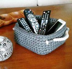 New basket crochet rope yarns Ideas Crochet Storage, Crochet Diy, Crochet Rope, Crochet Ideas, Crochet Basket Pattern, Crochet Patterns, Crochet Baskets, Knitting Projects, Crochet Projects