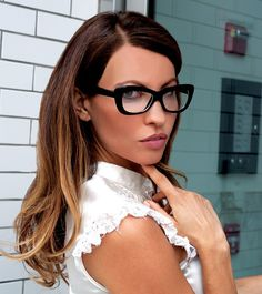 Theses Sexy reading glasses feature quality components including spring-hinged for added comfort