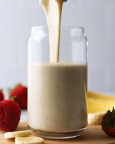 Easy Smoothie Recipes, Easy Smoothies, Breakfast Smoothies, Smoothie Drinks, Fruit Smoothies, Banana Drinks, Smoothie Cleanse, Banana Smoothie Bowl, Chocolate Banana Smoothie