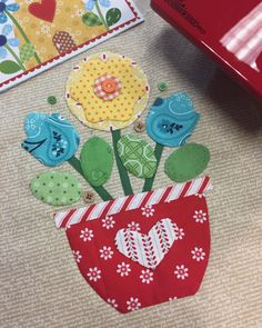 """171 Likes, 10 Comments - Maria Hanson (@quiltmomoffive) on Instagram: """"#quiltersrevival retreat day three. I actually did grown up applique and enjoyed it. Thanks…"""""""