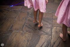 Little Girl Takes Over the Dance Floor at a Wedding. Dzieci na weselu przejmuja parkiet :)  #wedding #kinds #reception #london #royal #dzieci #na #slubie #przyjecie #slubne #reportaz