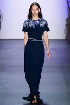 Tadashi Shoji at New York Fashion Week Spring 2016 - Runway Photos London Fashion Weeks, New York Fashion, World Of Fashion, Runway Fashion, Fashion Show, Fashion Trends, Tadashi Shoji, New Yorker Mode, Spring Summer 2016