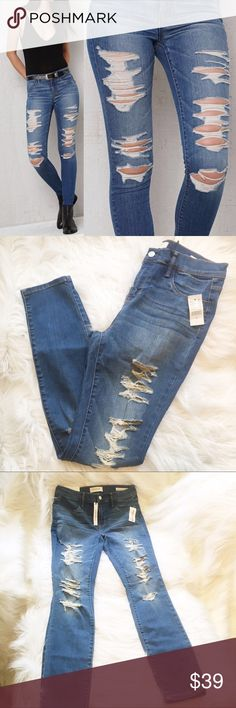 """Pacsun Dreamy Jegging Destroyed jeans NWT 29x29 Pacsun's dreamy fabric is supersoft and while these will fit you like a glove they're ultra comfortable. Mid rise, skinniest fit, slim from hip to  hem, hits at the ankle. Size 29. 30"""" waist. 10"""" rise. 29"""" inseam. 89% cotton 8% polyester 3% spandex. In medium Oregon Blue wash. PacSun Jeans Skinny"""