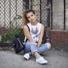 Tess Christine- casual street style when the weather starts to get warmer!