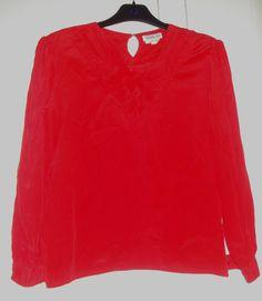 Aangeboden door vintage store Things I like Things I love: rode polyester blouse, maat M.
