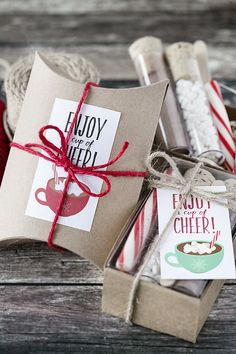 Create a Hot Chocolate gift set and use these 'Enjoy a Cup of Cheer' printable tags/stickers for packaging. -Holiday Gift Guide for New Moms - meadoria Christmas Gift Baskets, Christmas Crafts For Kids, Christmas Gifts, Hot Chocolate Gift Basket, Chocolates, Chocolate Navidad, Christmas Hot Chocolate, Tiny Gifts, Gift Tags Printable